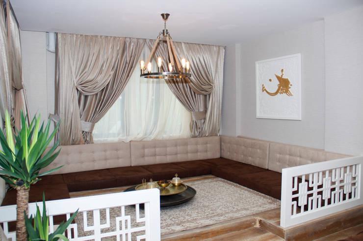 50GR Mimarlık – SERDİVAN VİLLALARI: klasik tarz tarz Oturma Odası