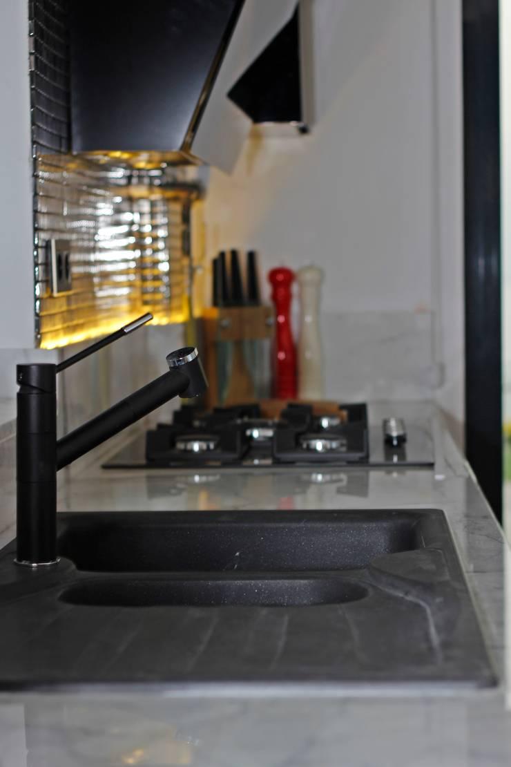 50GR Mimarlık – SERDİVAN VİLLALARI:  tarz Mutfak