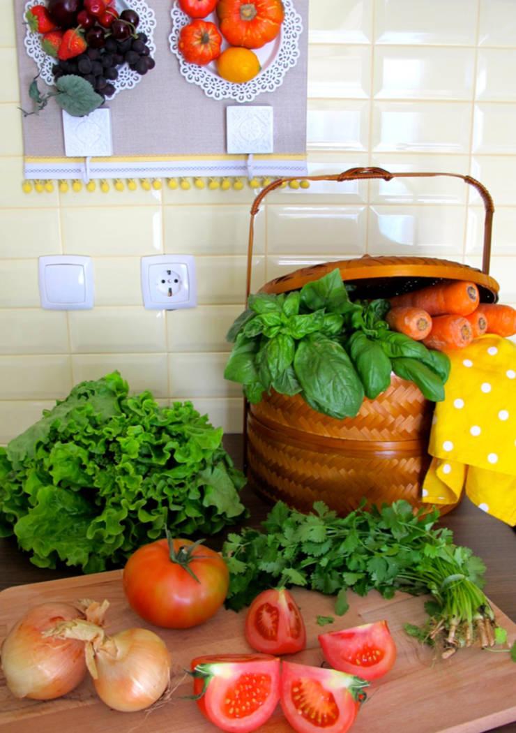 Cozinha: Cozinhas  por Rafaela Fraga Brás Design de Interiores & Homestyling