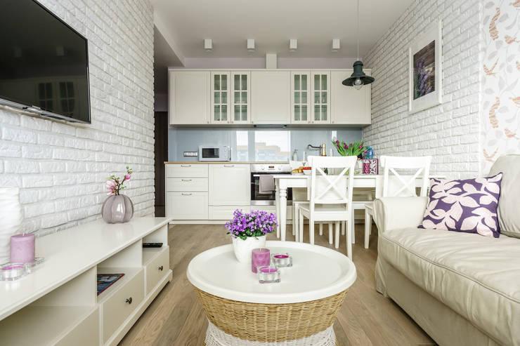 غرفة المعيشة تنفيذ Anna Serafin Architektura Wnętrz