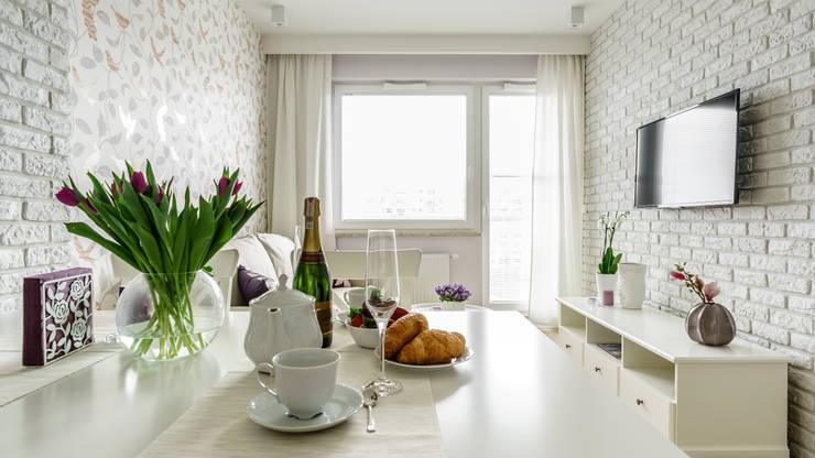 mediterranean Dining room by Anna Serafin Architektura Wnętrz