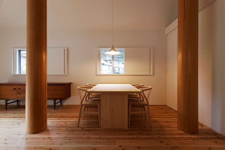 Comedores de estilo minimalista por 大松俊紀アトリエ