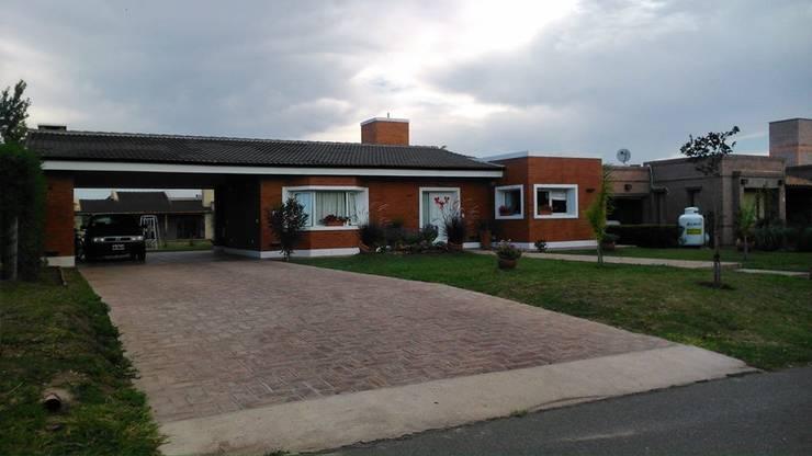 Casa en San Isidro Villa Residencial - Villa Allende - Cordoba: Casas de estilo  por Alejandro Asbert Arquitecto