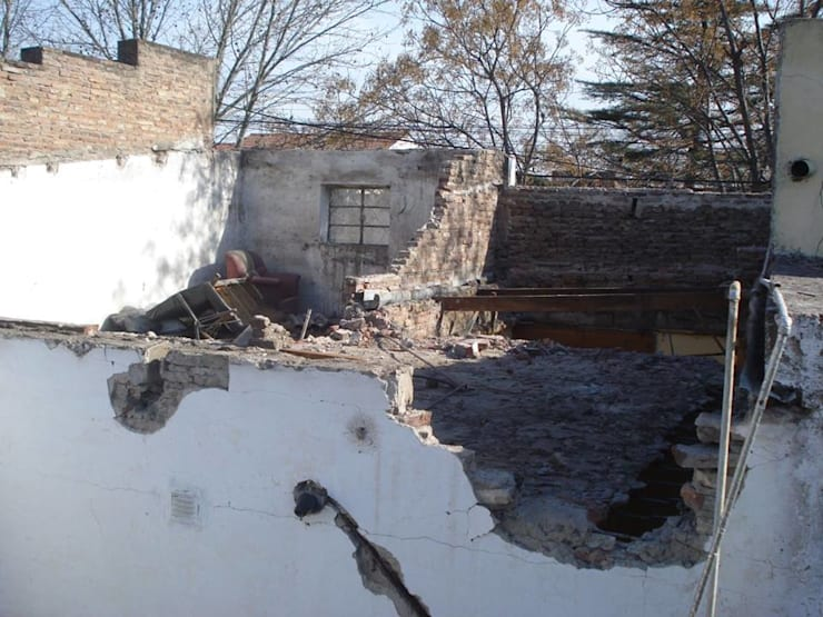 Demolicion: Casas de estilo  por ArquitectoRossiniTulio