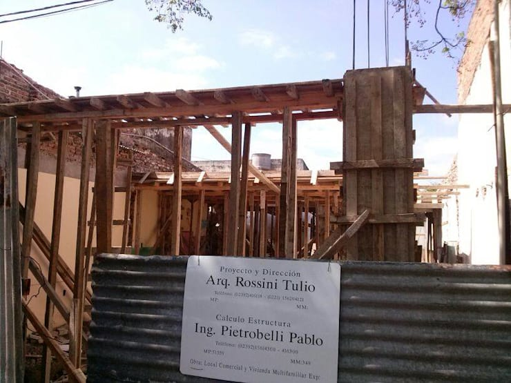 EDIFICIO Residencial-Comercial: Casas de estilo  por ArquitectoRossiniTulio