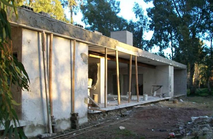 VIVIENDA Unifamiliar ProCrear Casas minimalistas de ArquitectoRossiniTulio Minimalista