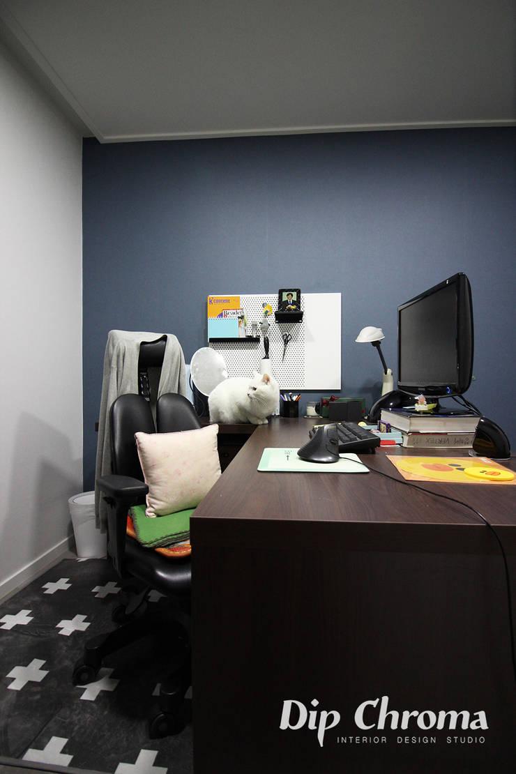 염창동 아파트: dip chroma의  서재 & 사무실