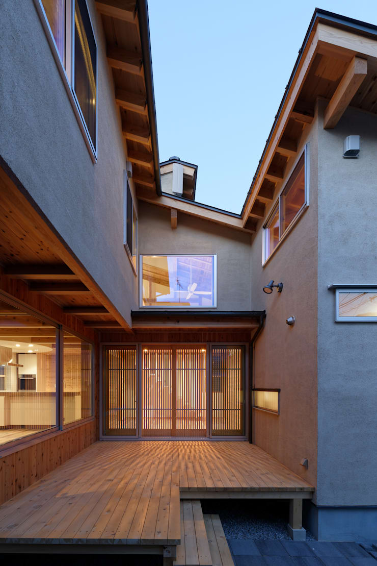 Houses by 高野三上アーキテクツ一級建築設計事務所  TM Architects, Modern