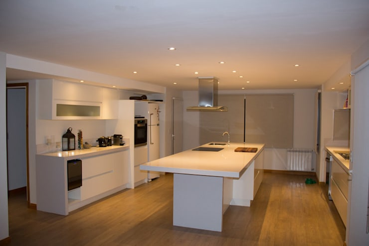 Casa DDC: Cocinas de estilo  por Zaccanti & Monti arquitectos