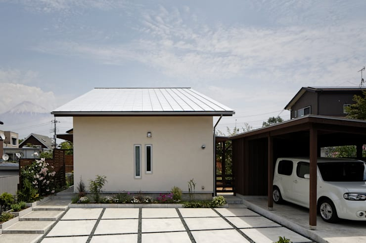 Casas de estilo moderno por 岩川卓也アトリエ