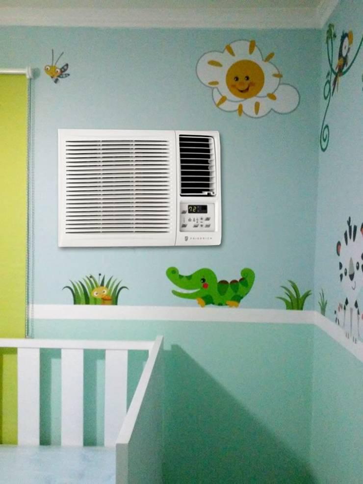 Habitación de varón : Paredes y pisos de estilo  por Andreina Arrieta Tarjeteria y Viniles