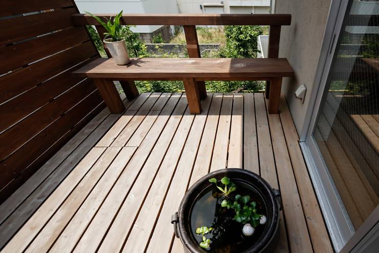 Terrazas de estilo  por 岩川卓也アトリエ