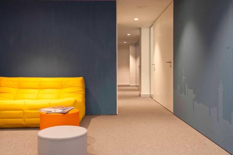 Hành lang by Brick construcció i disseny