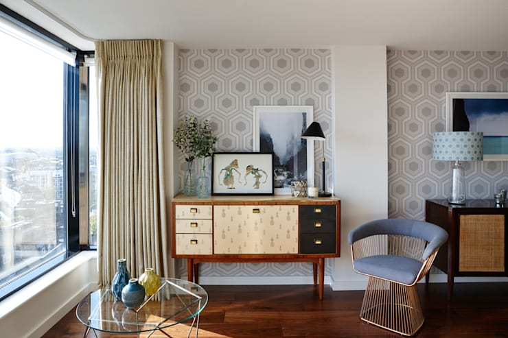 Gloucester Road Penthouse:  Living room by Bhavin Taylor Design