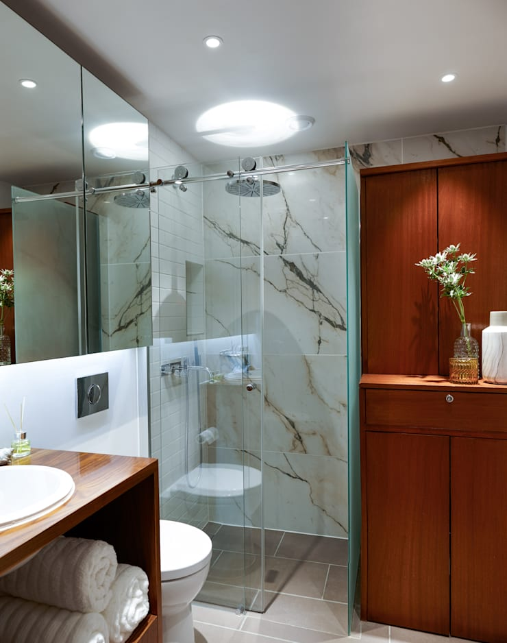 Gloucester Road Penthouse:  Bathroom by Bhavin Taylor Design