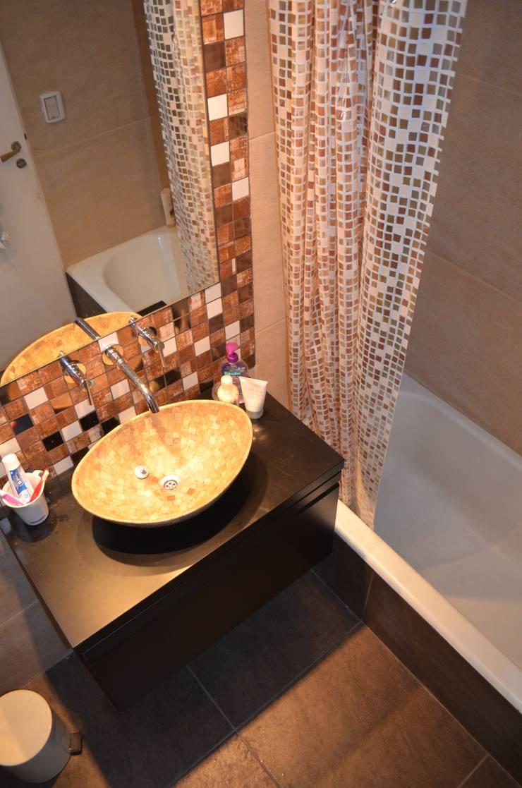 Remodelacion Baño Palermo: Baños de estilo  por Area61 Arquitectura