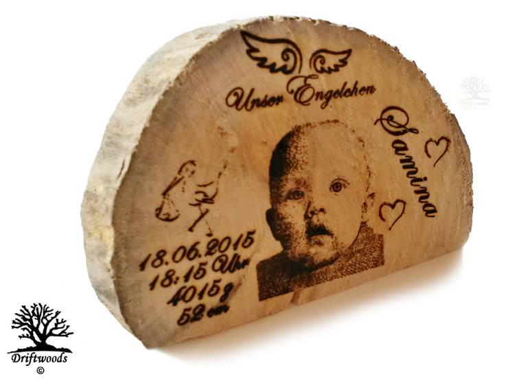 Personalisierte Geschenke   Fotogravur in Treibholz:  Arbeitszimmer von DRIFTWOODS