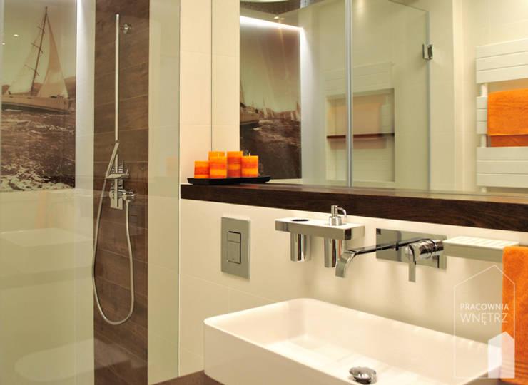Łazienka w klimacie żeglarskim: styl , w kategorii Łazienka zaprojektowany przez Pracownia Wnętrz