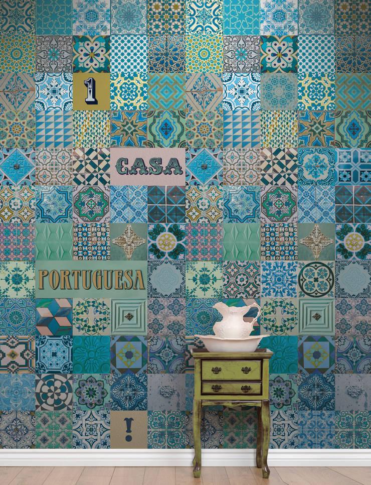 Azulejo Português Azul: Parede e piso  por OH Wallpaper