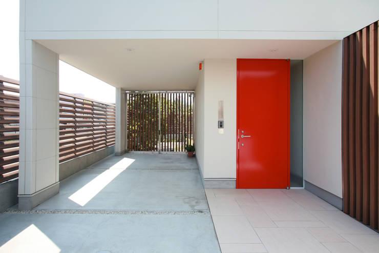 設計事務所アーキプレイス의  차고