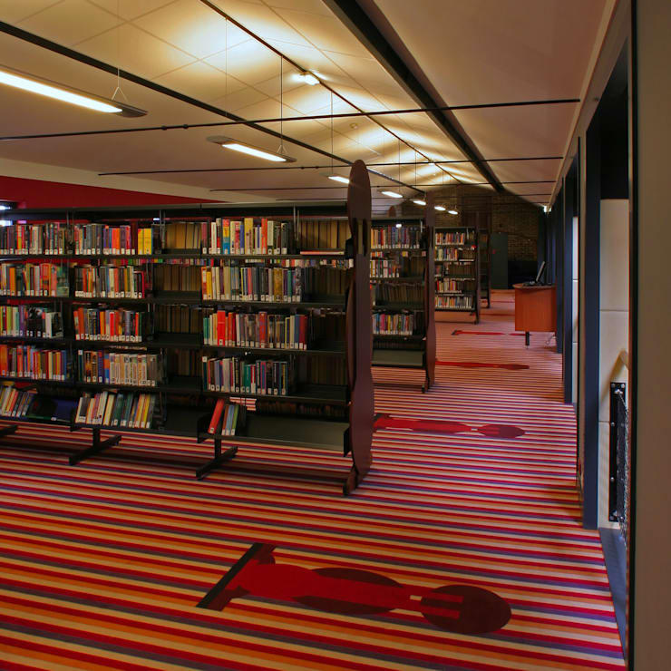 Bibliotheek Franeker:  Mediakamer door Dick de Jong Interieurarchitekt, Modern