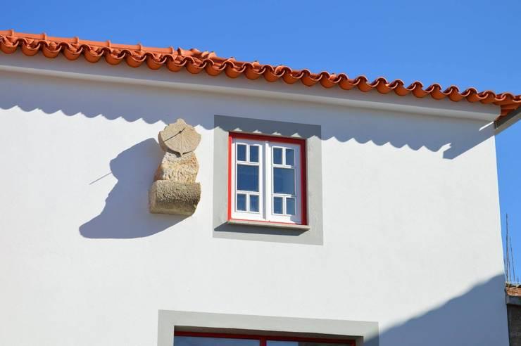 Casa de Campo das Sécias: Casas  por MHPROJECT