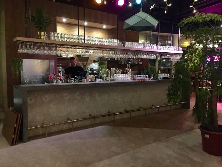 Verbouwing aloha bar tropicana:   door Woon Architecten