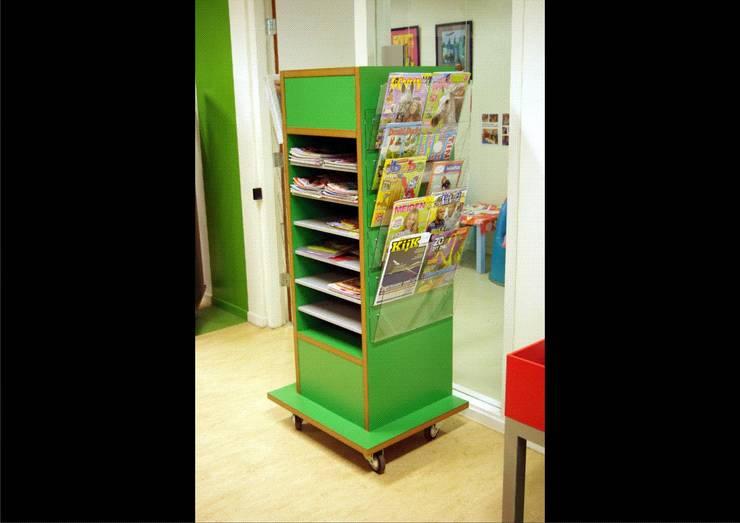 Jeugdbibliotheek Tuikwerd:  Exhibitieruimten door Dick de Jong Interieurarchitekt, Landelijk