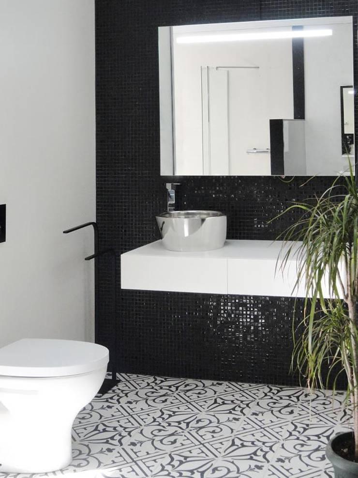 NEOCIM Patch Classic Noir + Fusion 99: Casa de banho  por Kerion Ceramics