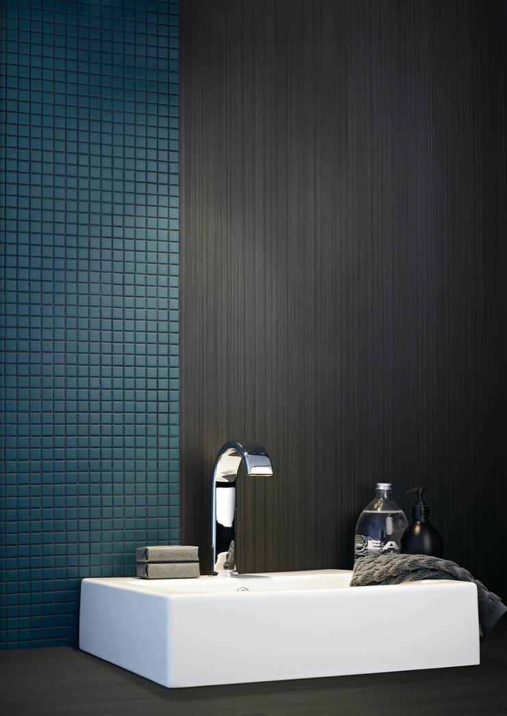MOSAICS Matt 65  + FLAT Binário C20: Casa de banho  por Kerion Ceramics