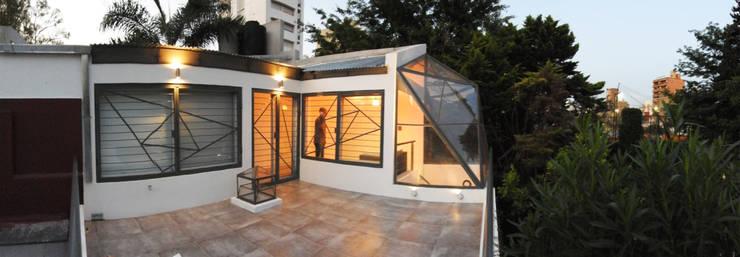 La Cúpula - 2015 Casas modernas: Ideas, imágenes y decoración de Erb Santiago Moderno