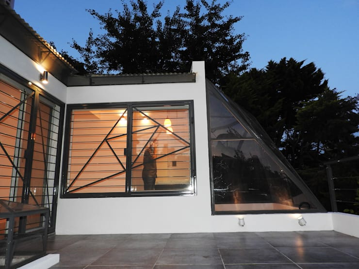 La Cúpula – 2015 Casas modernas: Ideas, imágenes y decoración de Erb Santiago Moderno