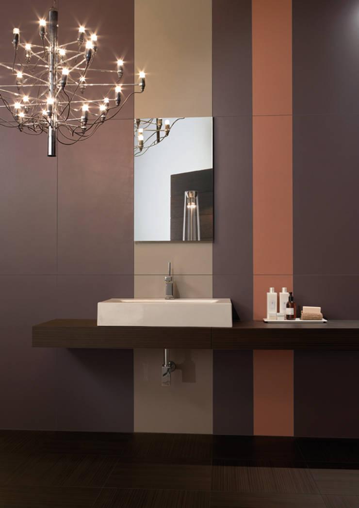 FLAT Plain A20 + A38 + A37: Casa de banho  por Kerion Ceramics