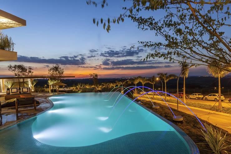 by Barros e Zanolini Arquitetura e construção Tropical Tiles