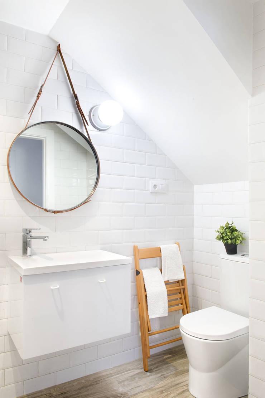 A Coruña for rent!: Dormitorios de estilo  de Egue y Seta, Moderno