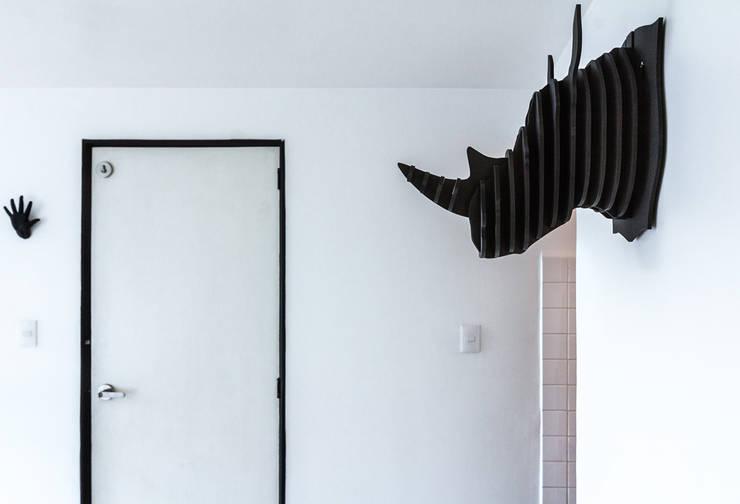 Rino: Salas de estilo  por DOSA studio
