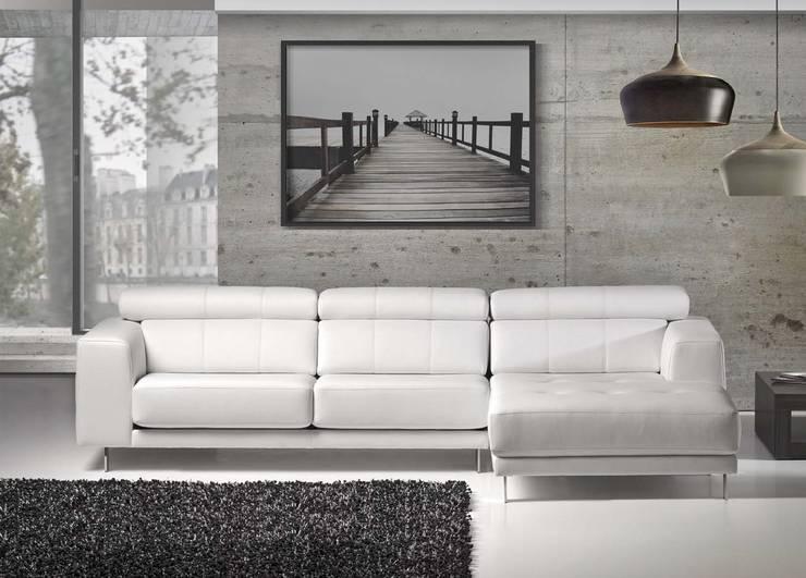 KLINT: Sala de estar  por VM HOME DESIGN