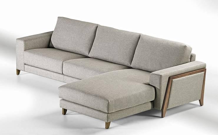 SANTANA: Sala de estar  por VM HOME DESIGN