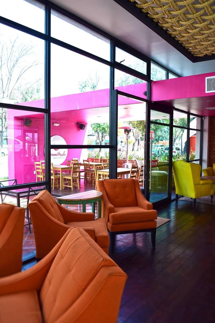 Besame Mucho Café, Chocolate y Churros: Restaurantes de estilo  por Grupo ARK+OS Arquitectos
