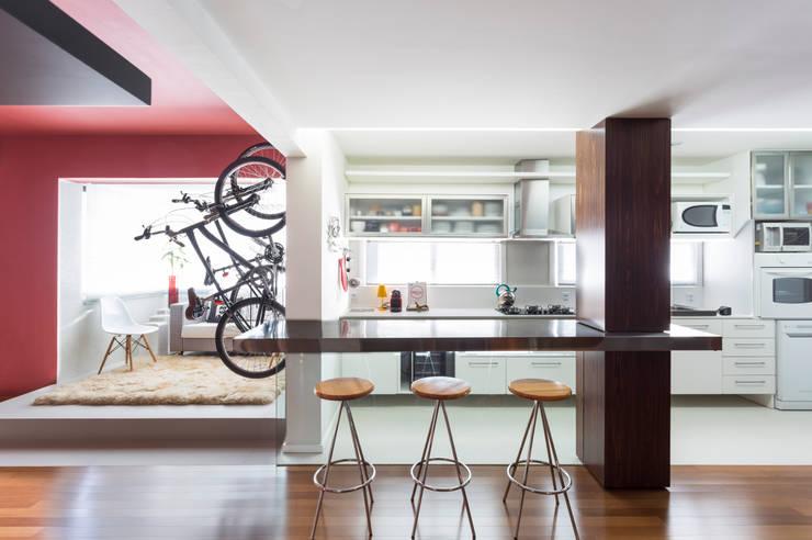 Cocinas de estilo  por Johnny Thomsen Arquitetura e Design , Moderno