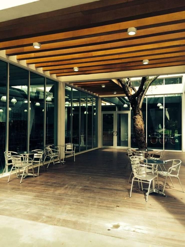 Portico: Restaurantes de estilo  por Apx Taller de Arquitectura