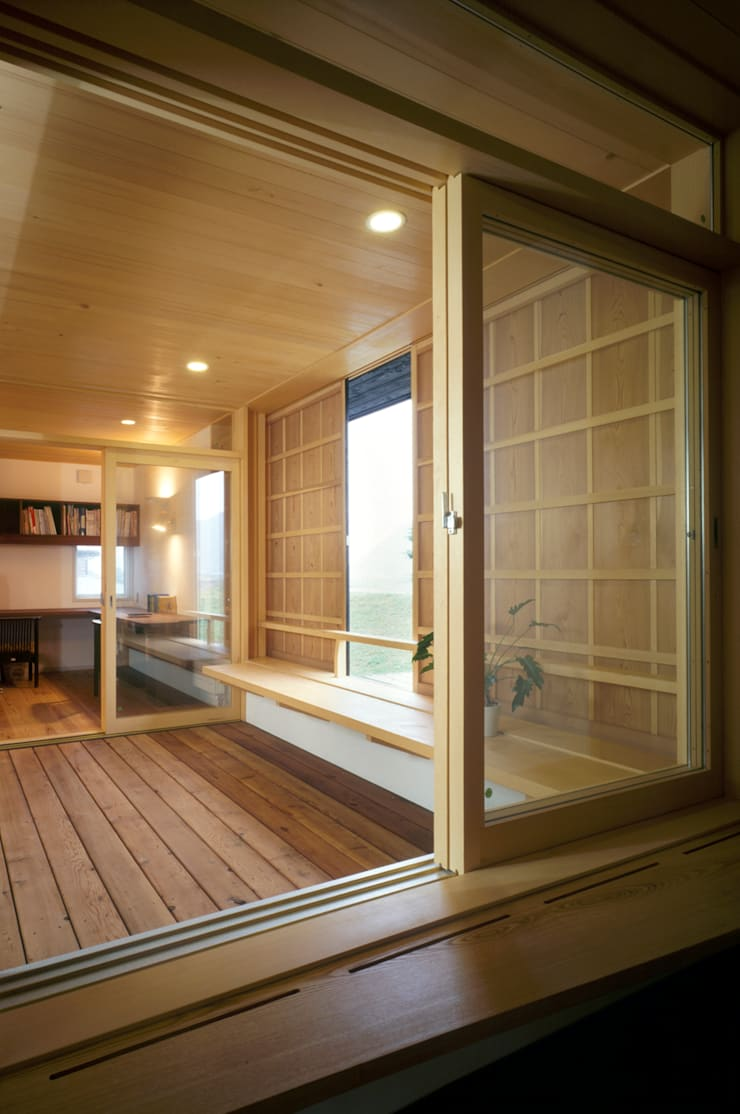 静岡の家 case004: 岩川卓也アトリエが手掛けたテラス・ベランダです。