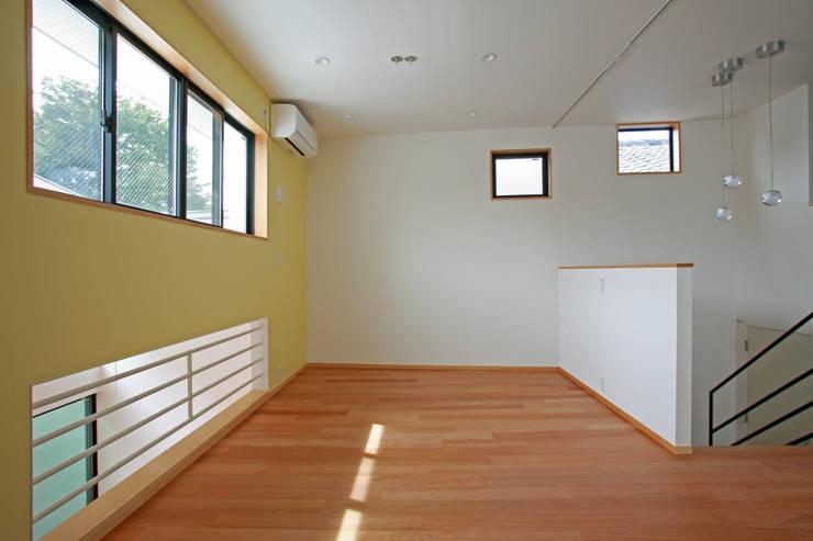 空と暮らす家(スキップフロア): 設計事務所アーキプレイスが手掛けた子供部屋です。