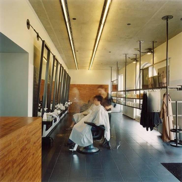 Wijnhoven & Wijnhoven Coiffeurs:  Kantoor- & winkelruimten door bv Mathieu Bruls architect, Modern