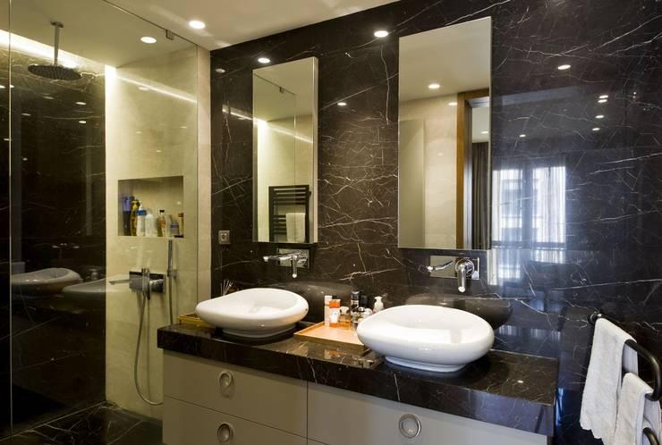 Bathroom by Plano Mimarlık ve Teknoloji