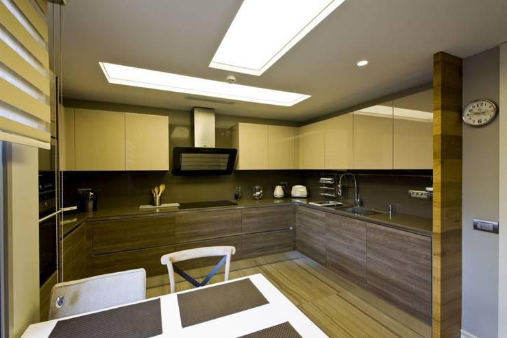 Plano Mimarlık ve Teknoloji – Sarı Konaklar:  tarz Mutfak