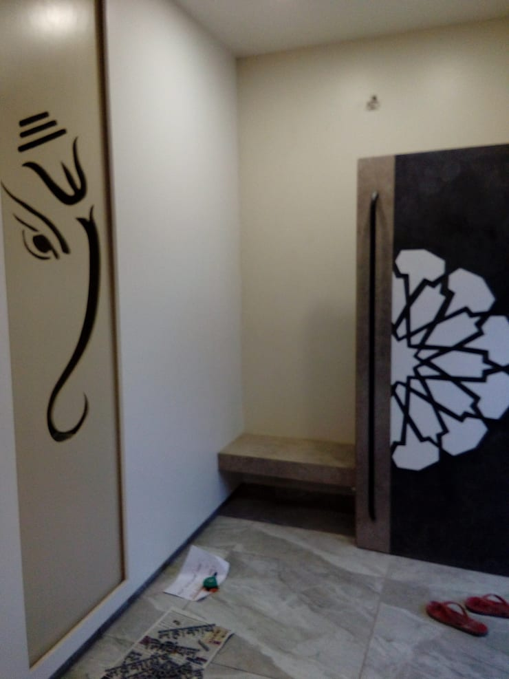 Dr varia residence:  Corridor & hallway by Tameer studio