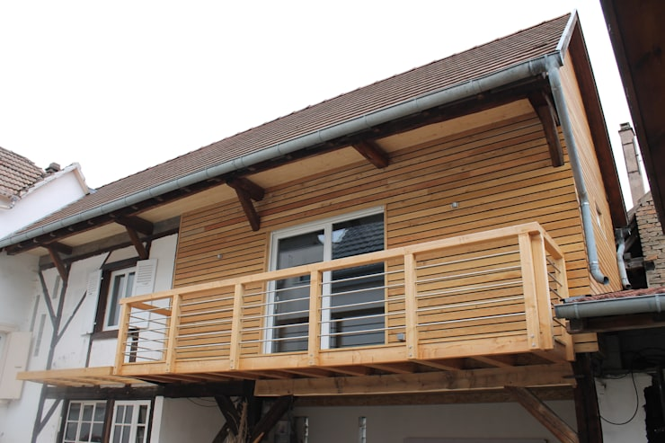 Modern style balcony, porch & terrace by Agence ADI-HOME Modern Wood Wood effect