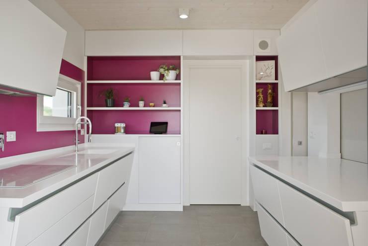 La cucina: Cucina in stile  di Margherita Mattiussi architetto