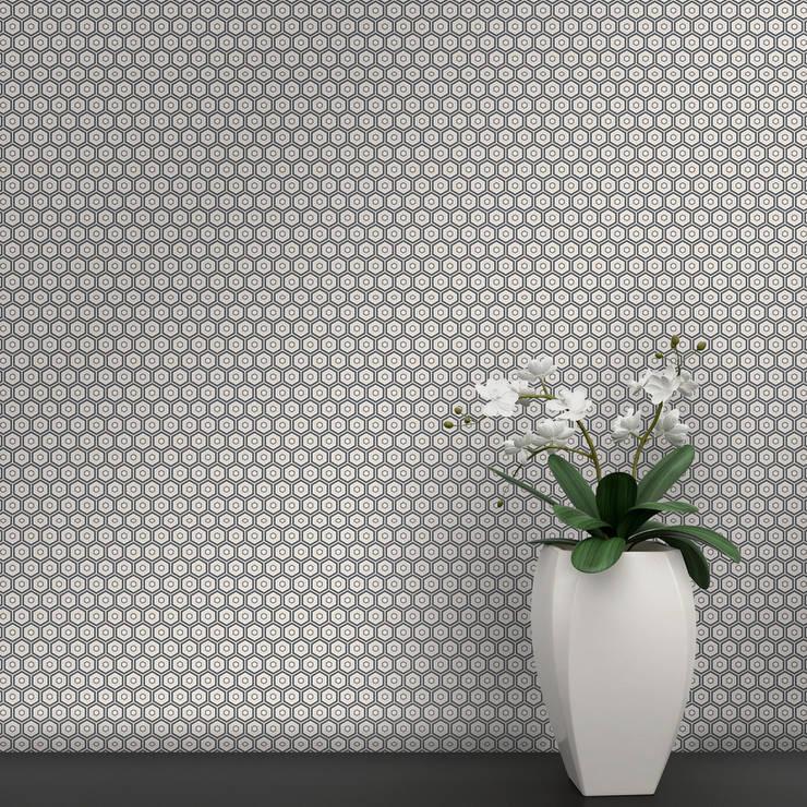 Hexágono Coordenado Cinzento e Bege: Parede e piso  por OH Wallpaper